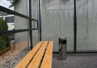 lakierowana ławka w palarni
